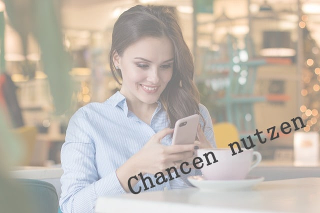 Junge-Frau-mit-Smartphone-640x426